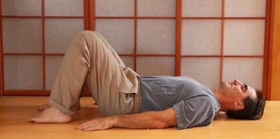 Exercice Express de 10 minutes pour la maladie du texto ou (Forward Head Posture)